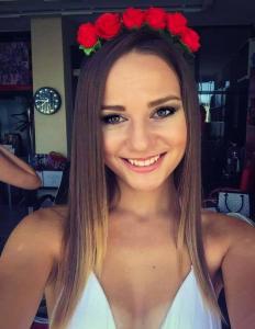 Monika4